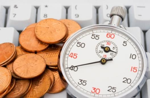 монеты у секундомера